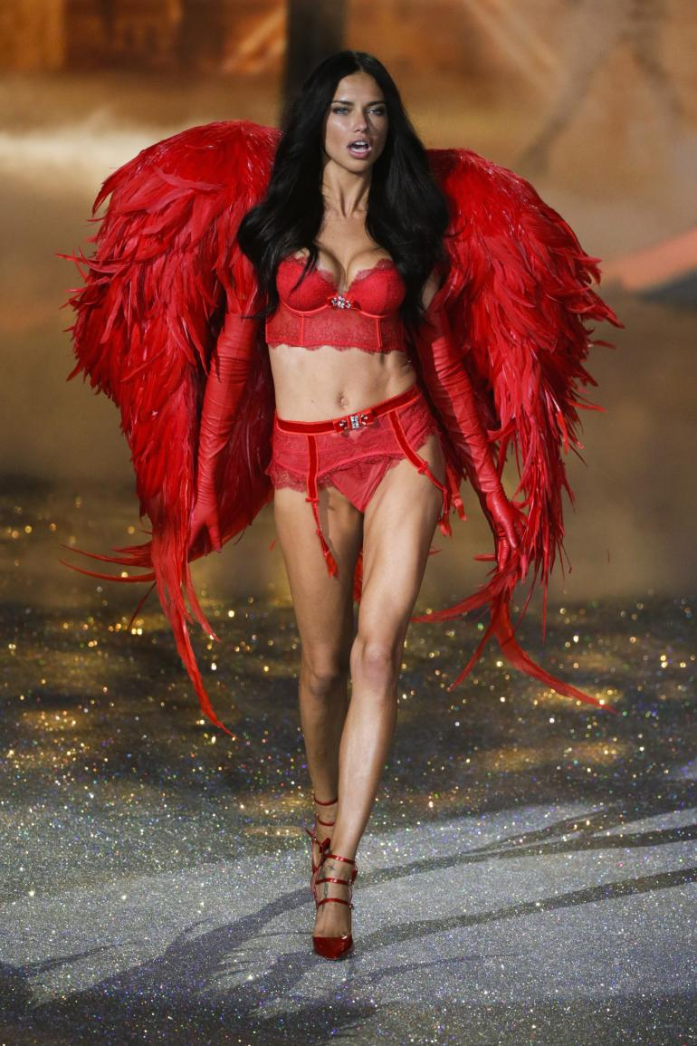 10 Photos Of The Sexy Action From Backstage And The Runway At Victoria S Secret Fashion Show